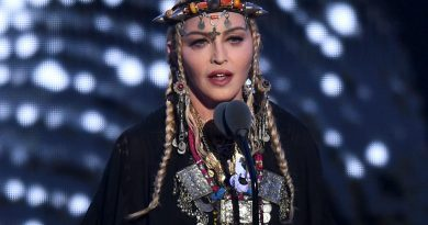 Madonna's tribute to Madonna… er, Aretha Franklin at the VMAs fell short